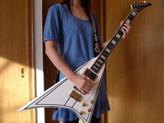 ギター買おうぜ!ギター始めようぜ!楽器は一生の趣味になるぞ!しかも能動的趣味だから捗るぞ!